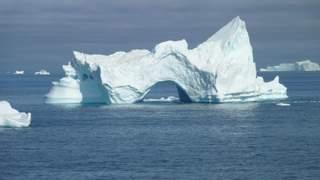 07-et-af-de-undelig-mange-isbjerge.jpg